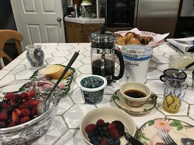 Elain's Hollywood Bed & Breakfastの朝食