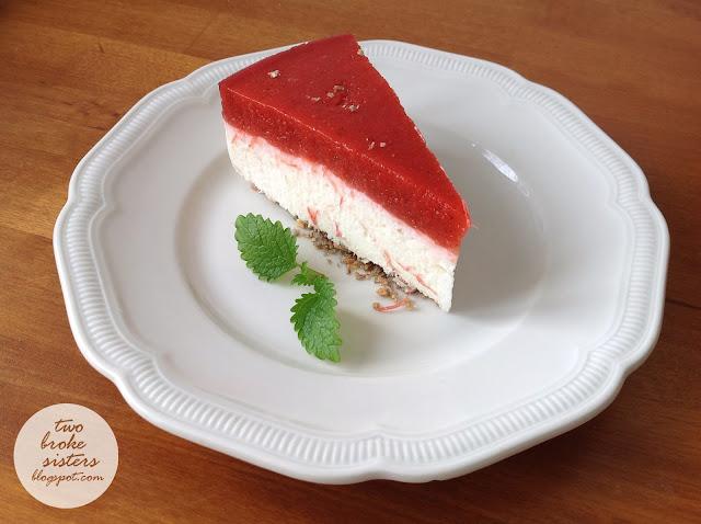 jogurtowy sernik na zimno z musem truskawkowo-rabarbarowym twobroksisters blog przepis