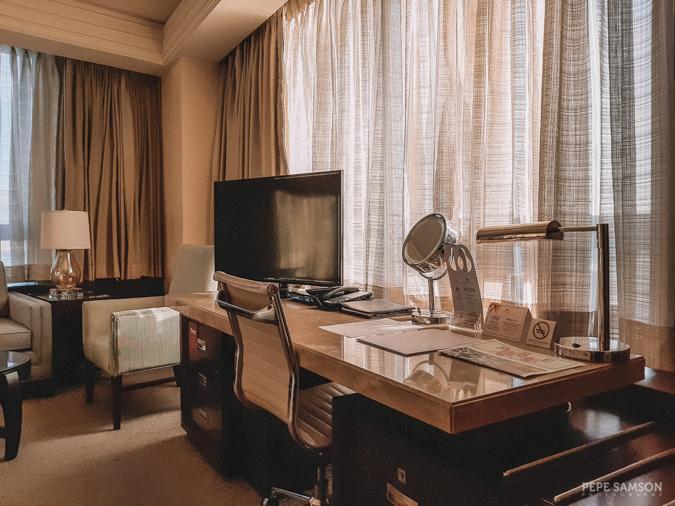 crimson hotel filinvest alabang