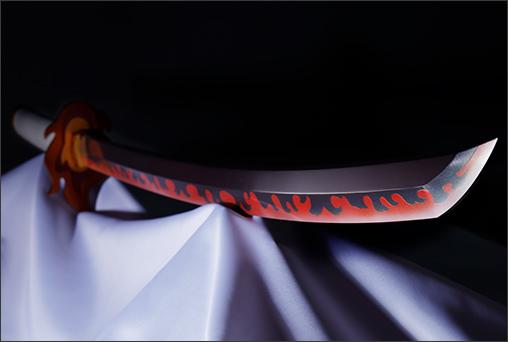 PROPLICA Nichirin Blade (Kyojuro Rengoku) 1/1 de Kimetsu no Yaiba: Demon Slayers - Tamashii Nations