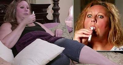 Wanita Minum Cat Hobi Perempuan 43 Tahun ini