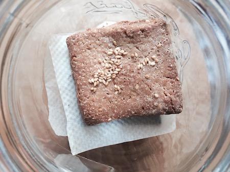 comment congeler des biscuits sucrés faits maison pour ne pas qu'ils gèlent entre eux.