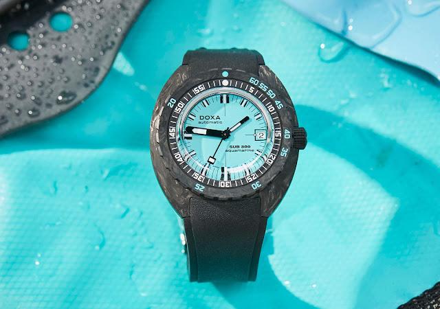 DOXA SUB 300 Carbon COSC Aquamarine