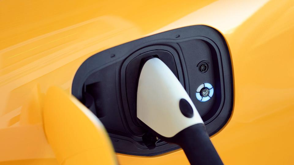 The charging time for electric cars, motorcycles, and scooters is generally much longer than for gas-powered vehicles. EV charging infrastructure currently puts a strain on available resources in addition to the long wait times. Therefore, electric vehicles are frequently charged whenever possible. Some might find that alleviates range anxiety, but those left behind aren't so lucky unless they take matters into their own hands.    This has been the case for some EV owners, with several drivers reporting that their fellow drivers unplugged their own vehicles to charge theirs. A dissatisfied EV owner even talked about their concerns online with other EV owners. A subreddit poster who posted a message under r/Electrics called out a public charger for not charging his car for only 20 minutes.