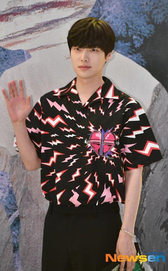 Ahn Jae Hyun dün yeni dizisinin setindeydi