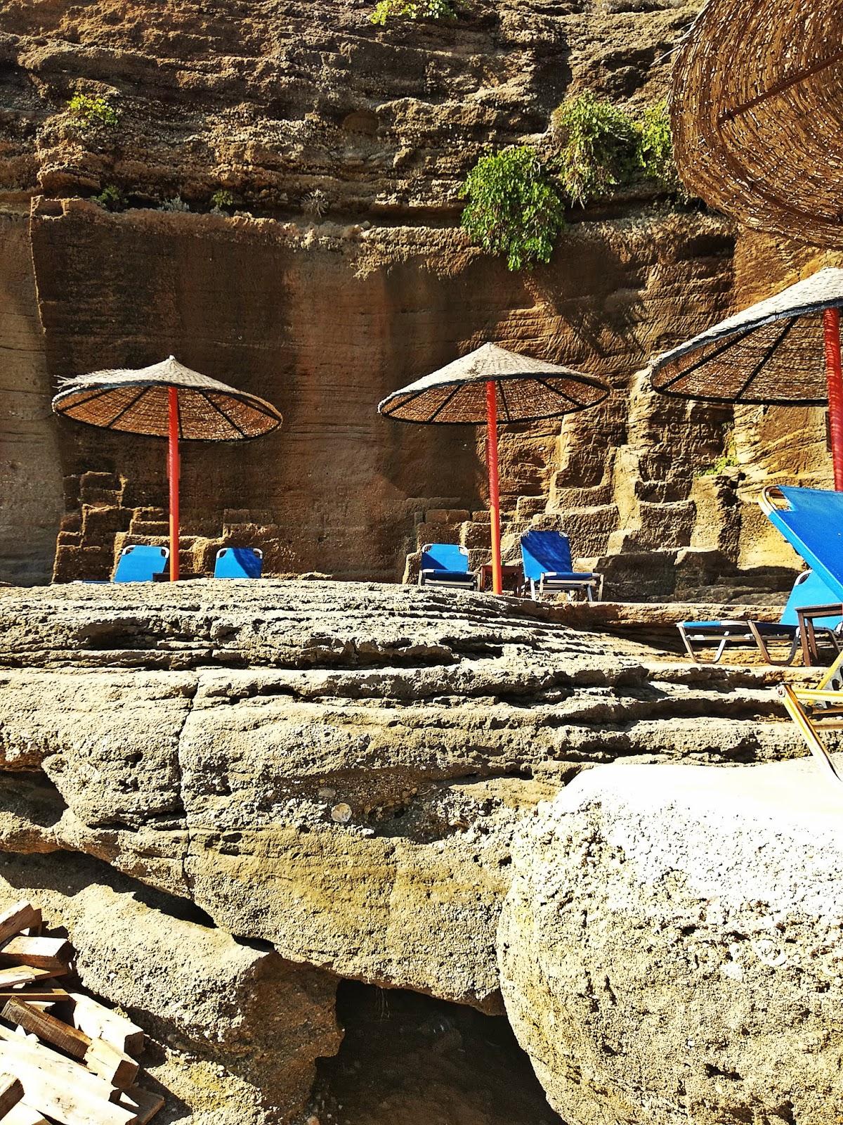 oasis bar w skale beach plaża rodos rhodes grecja karyn blog modowy blogerka modowa karyn podróż poślubna