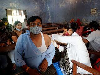 बाराबंकी : जनपद में बनाये गए 16 वैक्सीनेशन सेंटर, इन 10 सेन्टरों पर नागरिकों के लिए किया जा रहा वैक्सीनेशन