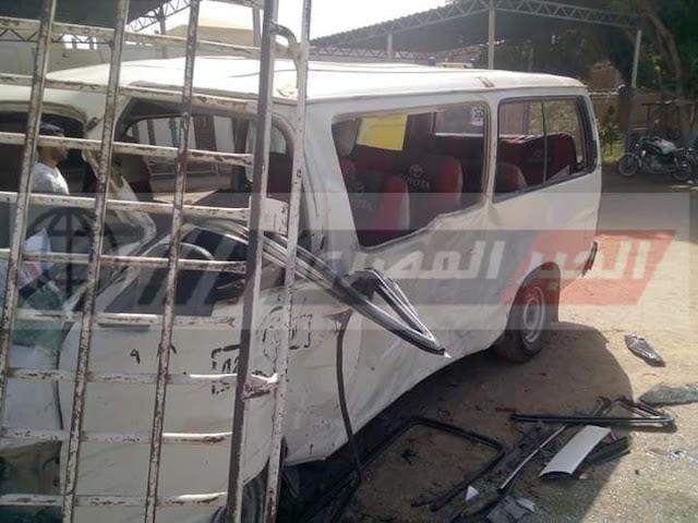 إصابة 17 شخصا فى حادث تصادم فى سوهاج