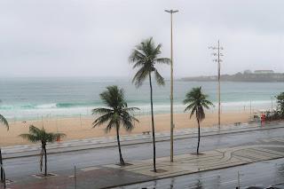 rio playa lluvia