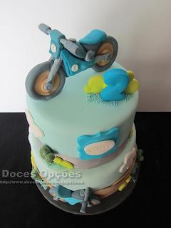 bolo motos criança