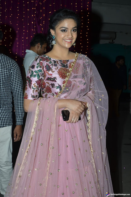 Keerthy-Suresh-Zee-Telugu-Apsara-Awards-2017