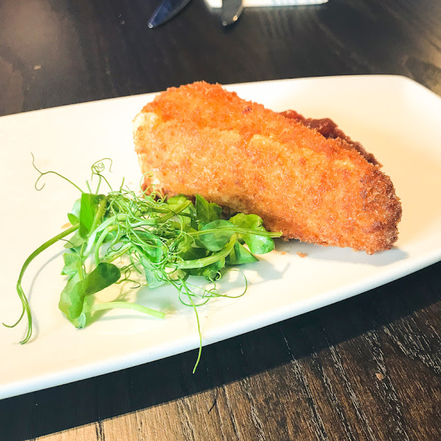 The Fox Menston review - deep fried brie with chutney