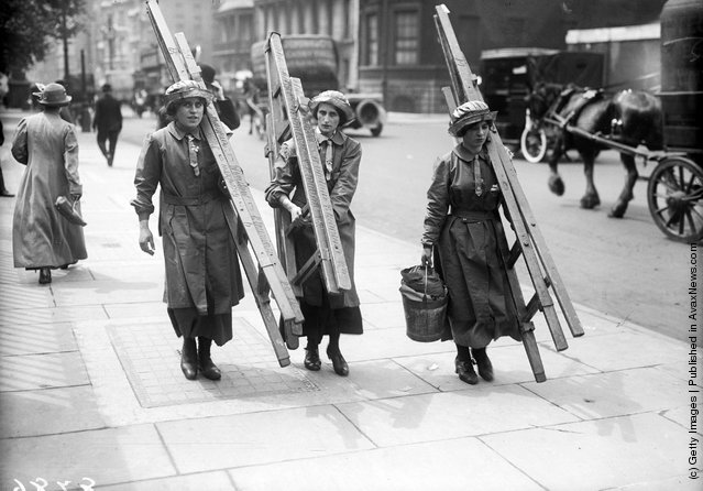 Photos Of Windows Cleaners In The Past Vintage Everyday