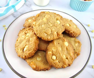 13 Keto-Friendly Desserts - Keto White Chocolate Macadamia Nut Cookies