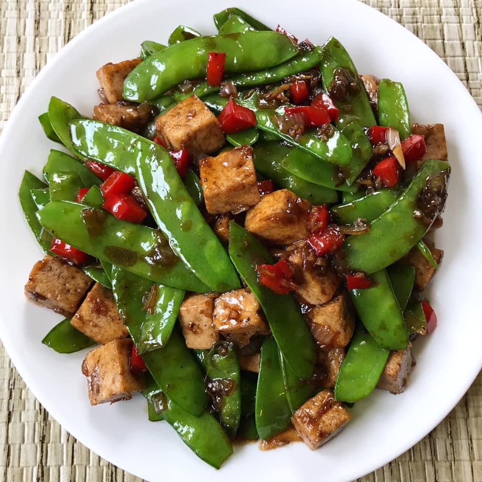 Stir Fry Tofu With Snow Peas