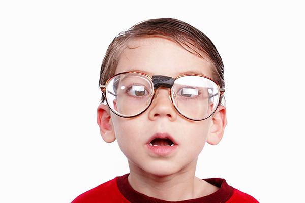 f0bc553d3 مدوّنة عصافير: كيف أدفع ابني/ابنتي إلى لبس النظّارة؟