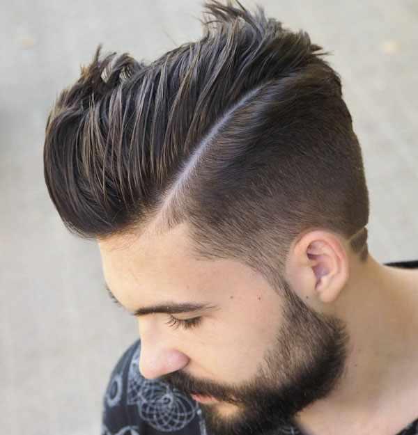 Model Taper Fade Comb Over