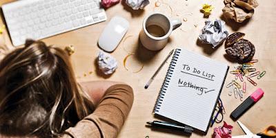 procrastinar-tareas-compromiso-trabajo