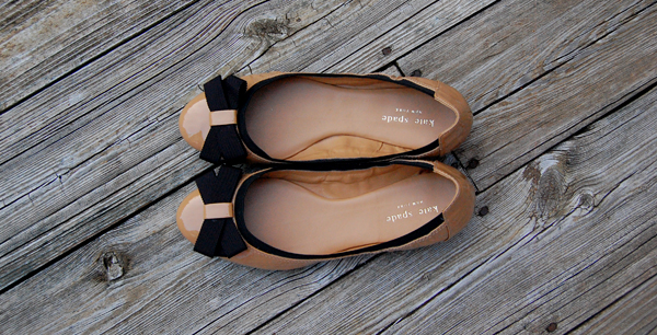 c9cfb1da174 I love the color combination  it s reminiscent of the pair of Valentino Bow  Ballerina Flats that Cee has.