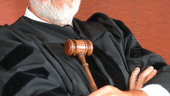 juiz arrogancia autoridade advocacia democratico direito