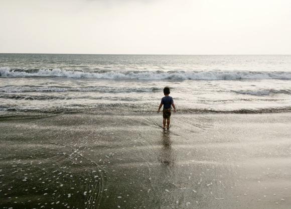 anak-berani-berang-di-laut