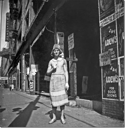 Femulator street-style, circa 1925