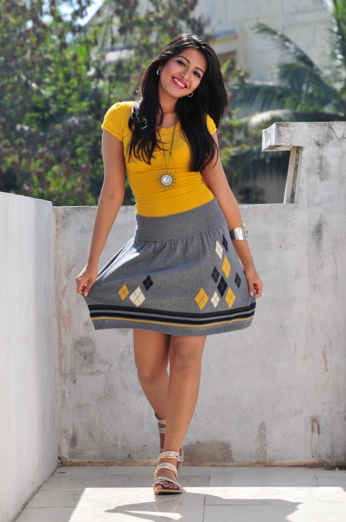 Anushka Shetty Cute Wallpapers Catherine Tresa New Hot Pics Hotstillsupdate Latest