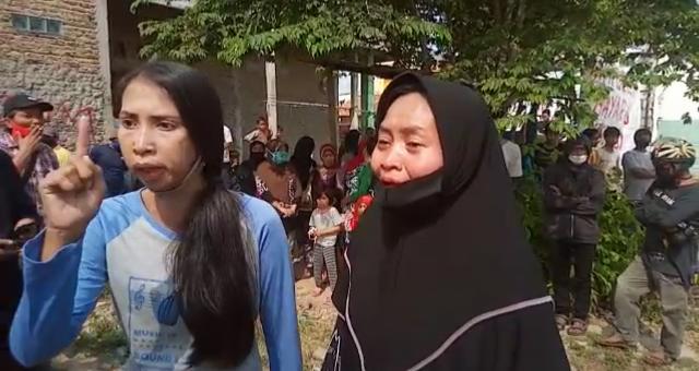 Isak Tangis Warga Benda, Esekusi 27 Bidang Tanah di Jurumudi...Foto Istimewa Korantangsel.com