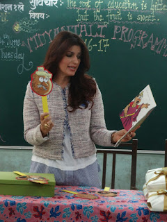 Twinkle Khanna reading Story of Bondapalli