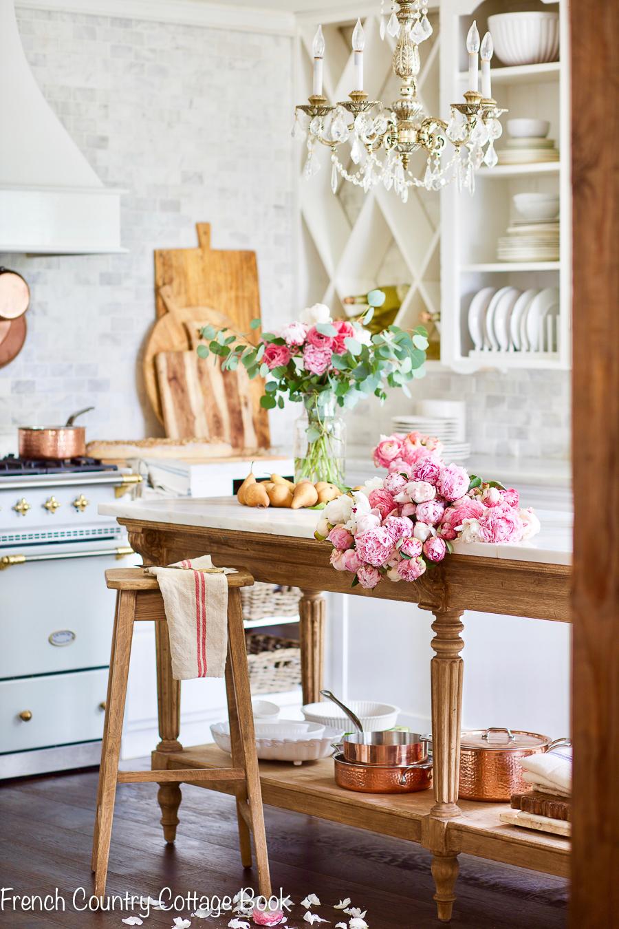 4 Ways To Add French Farmhouse Charm Your Kitchen