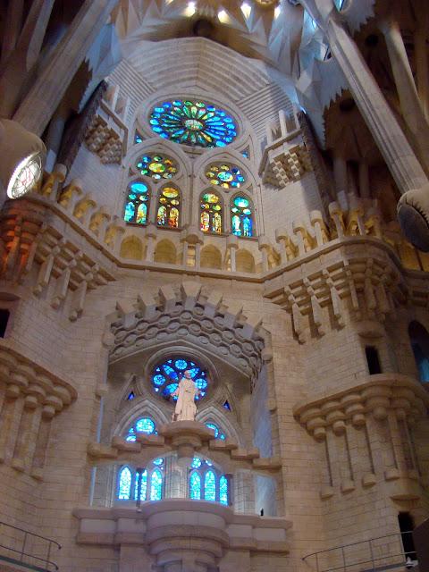 Wnętrze Sagrada Familia