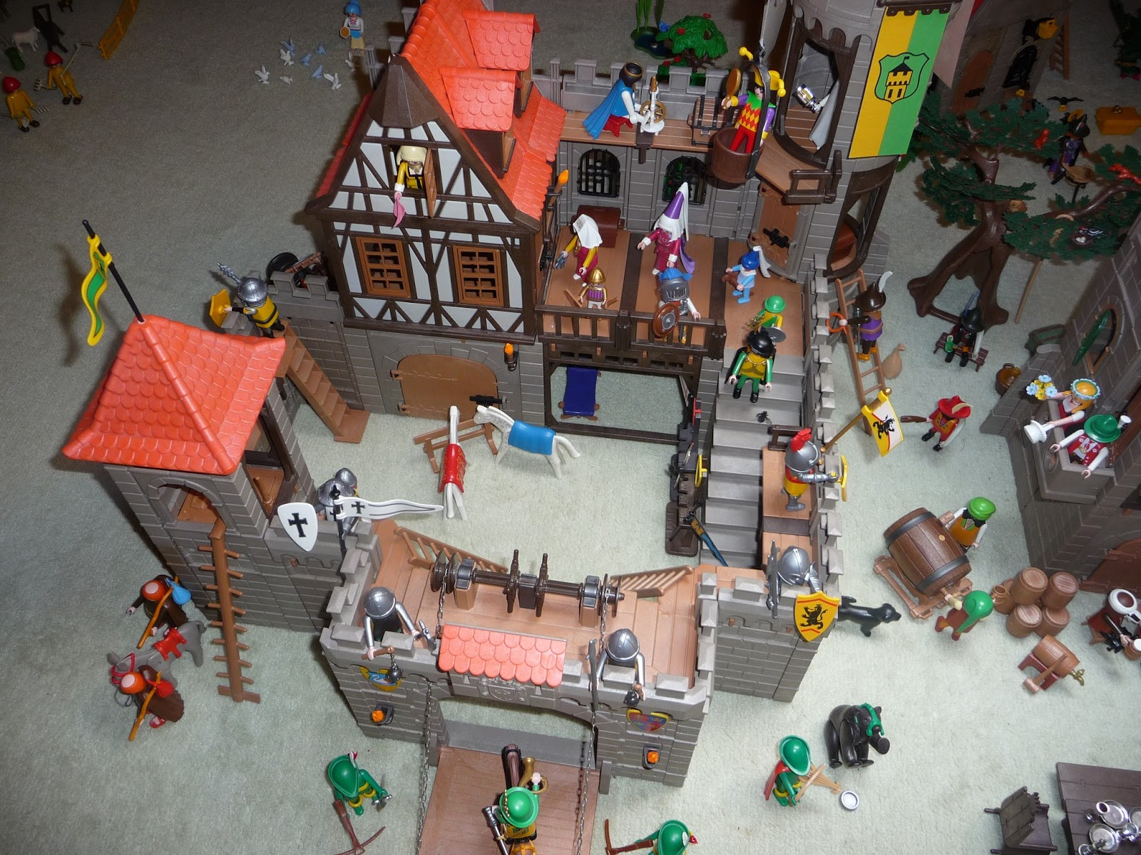 Ma terre de bruy re playmobil en f te for Plan chateau fort playmobil