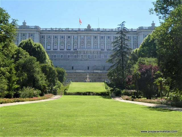 Vistas al Palacio Real desde El Campo del Moro