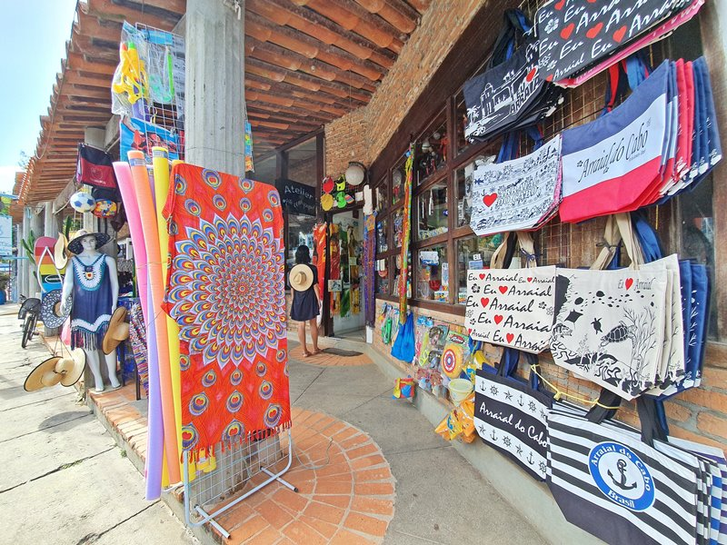 Compras e artesanatos em Arraial do Cabo