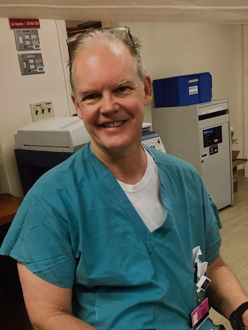 Médico de Miami, morre três semanas após tomar vacina da Pfizer/ mRNA