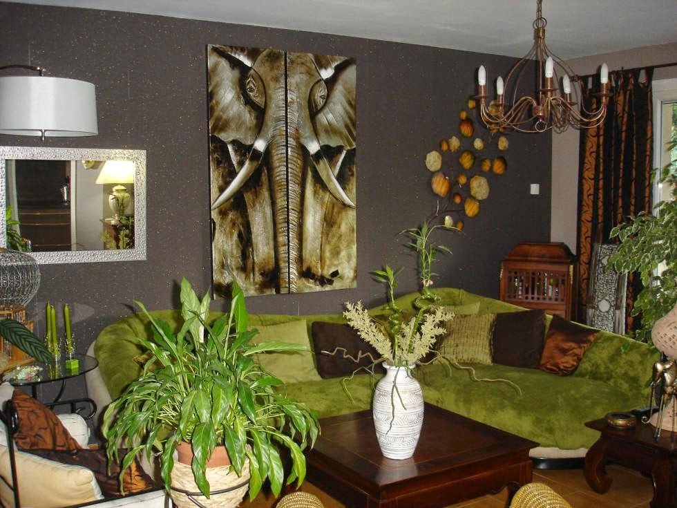 sala verde y marrón