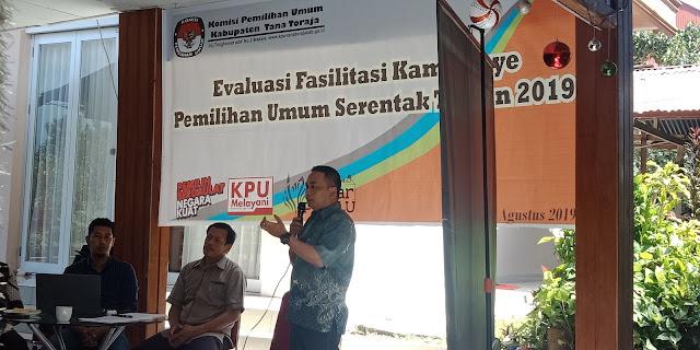 Diskusi Evaluasi KPU Tana Toraja, Banyak Kontestan Curi Star Kampanye