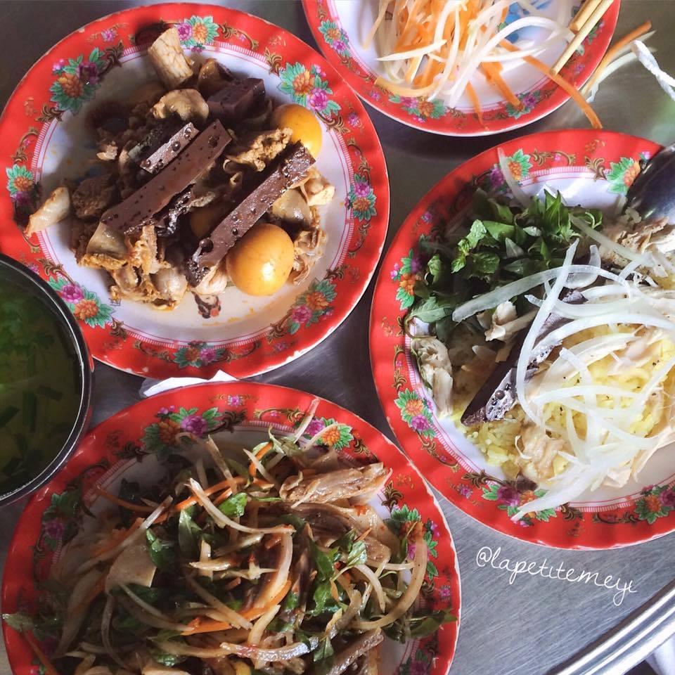 Cơm gà Bà Buội 22 Phan Châu Trinh - Hội An