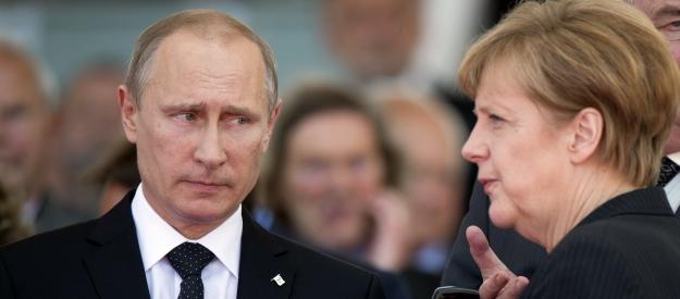 Rússia lançou uma campanha cibernética para derrubar Angela Merkel, uma autoridade norte-americana afirmou
