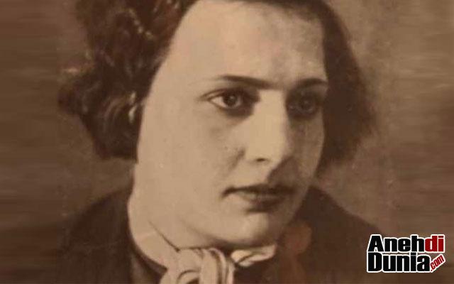 Lyudmila Pavlichenko Masa Muda