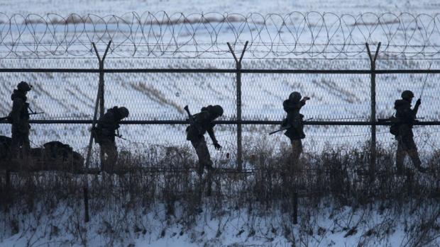 Um turista americano foi detido nesta segunda-feira na Coreia do Sul enquanto tentava atravessar a fronteira que separa o país da Coreia do Norte.