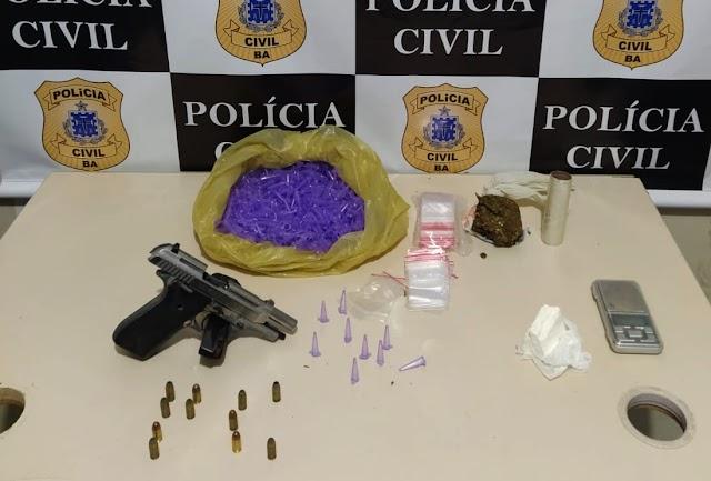 Arma e drogas são apreendidas em Santo Antônio de Jesus
