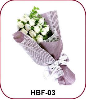 buket bunga mawar putih