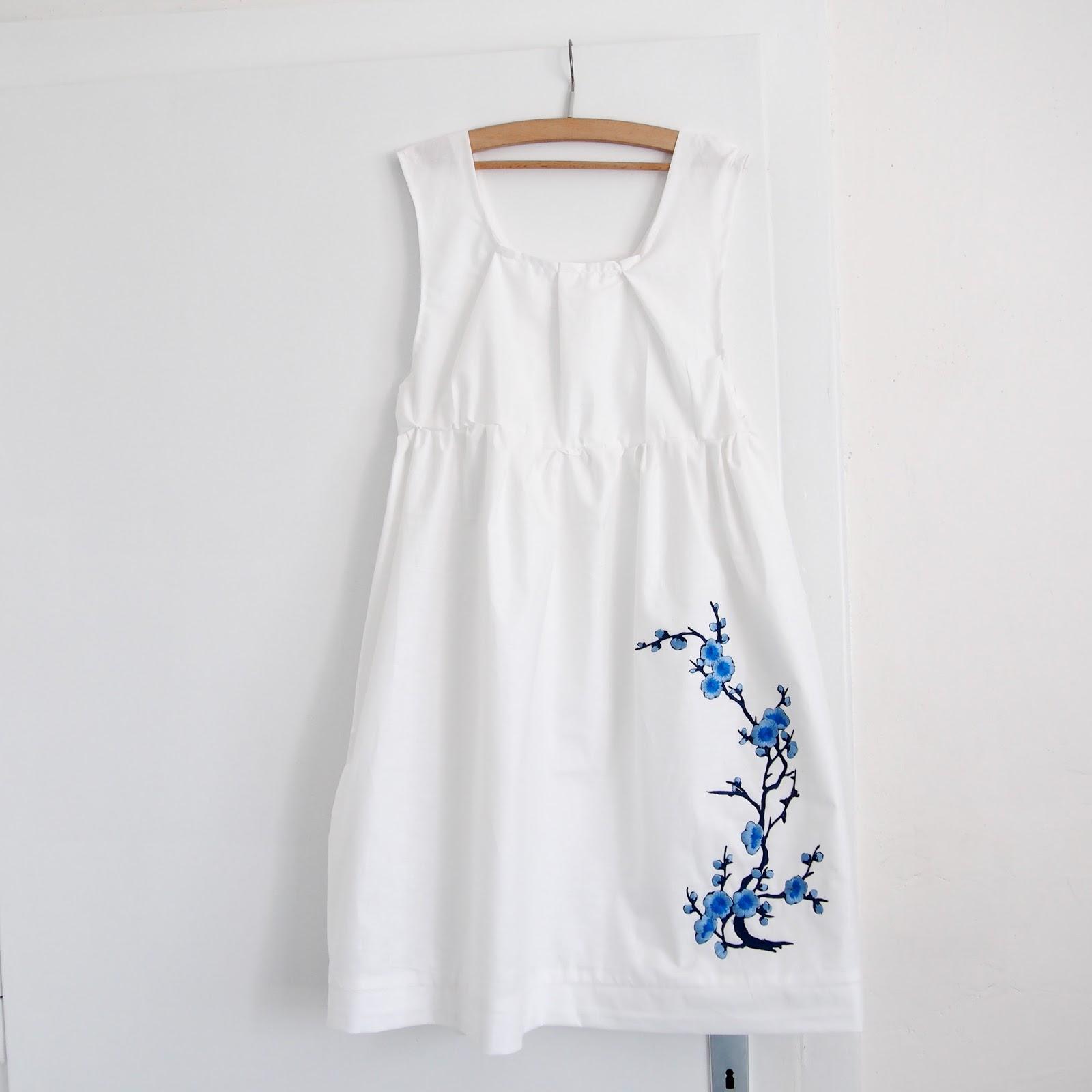 2b2fab1ef Nažehlovačku jsem objednala na Aliexpressu, nabízí ji tam více prodejců a  cena se pohybuje do 3 dolarů. Tadá, výsledek! Určitě vám šaty ukážu i na  postavě v ...