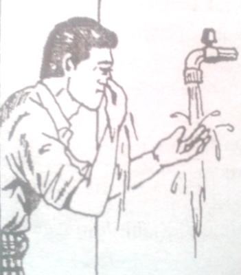 Menghisap air kehidung dan mengeluarkannya
