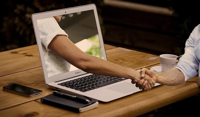 'Data dating': l'amore ai tempi dei social