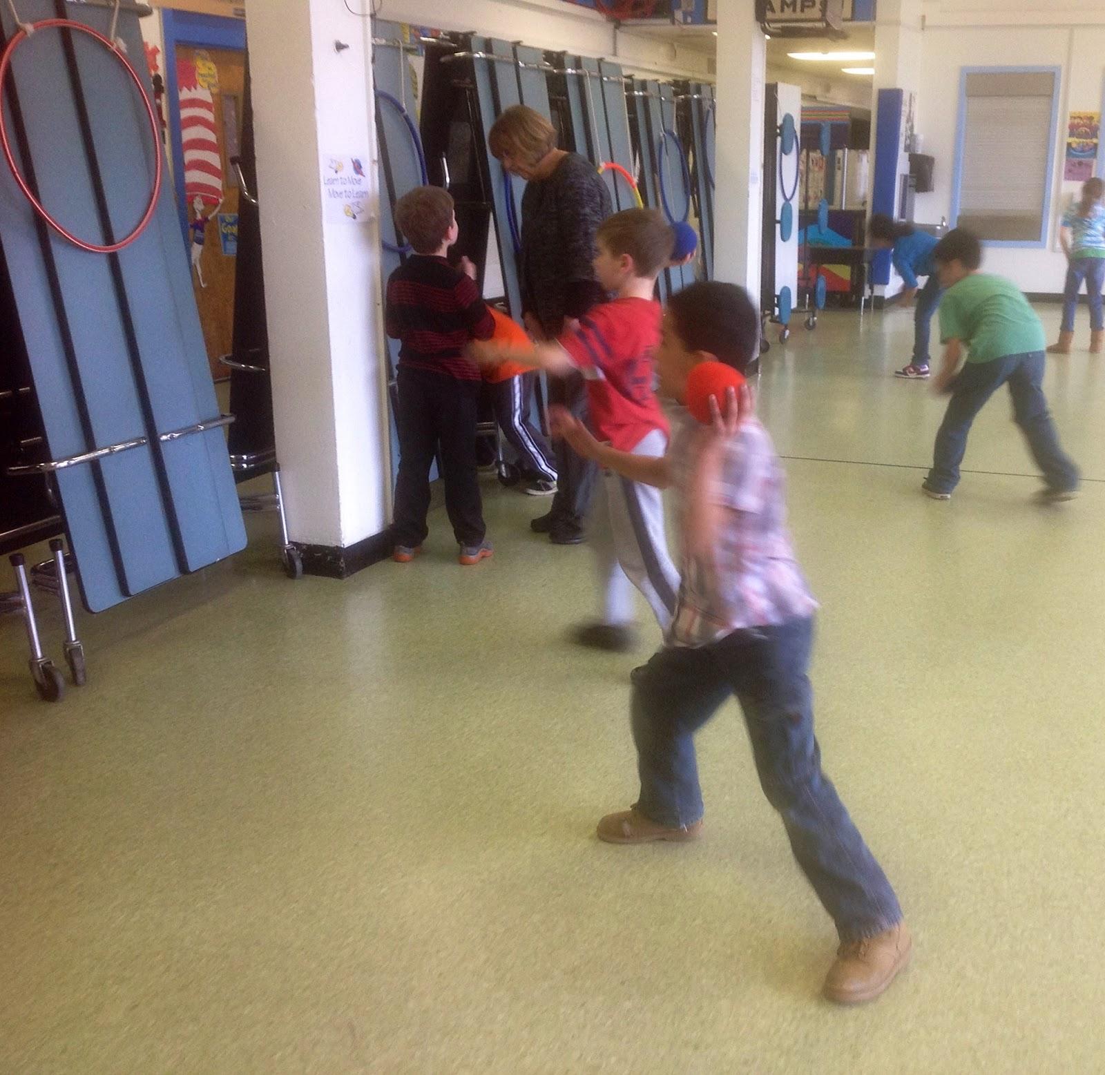 U.M.S. Physical Education : Manipulative Ball Skills or ...