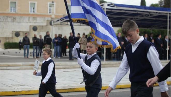 Το ΣτΕ βάζει κακό βαθμό στα «θρησκευτικά» του Γαβρόγλου