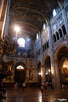 I begli interni del Duomo di Parma