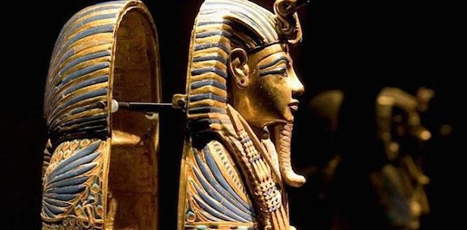 Os faraós egípcios usavam seus escravos como apanhadores de moscas.